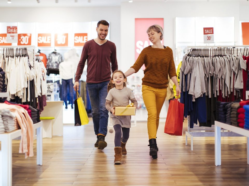 como atrair clientes para sua loja de roupas