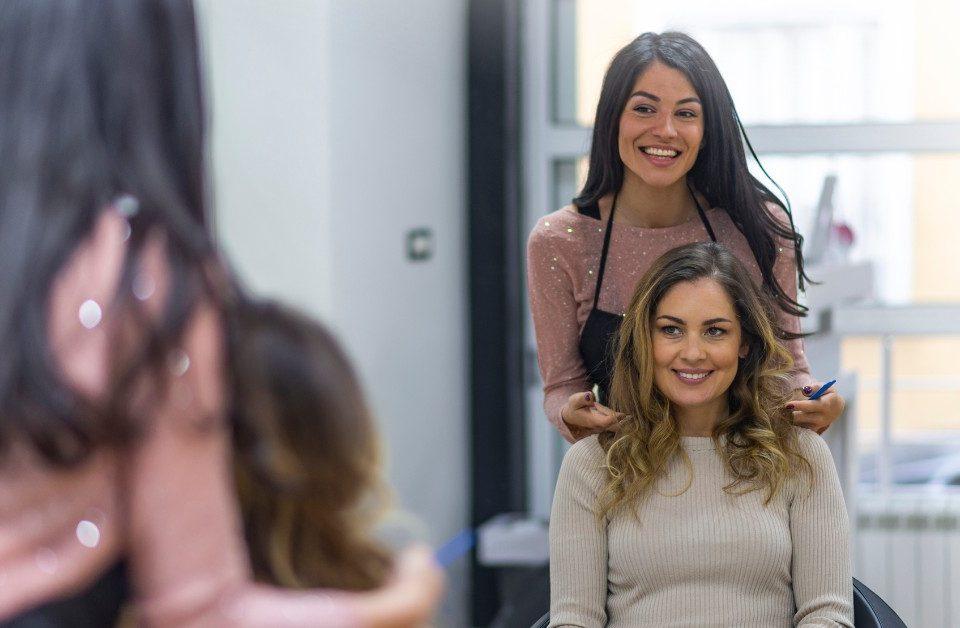 fidelizar clientes no salão de beleza